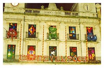 carnaval2003 - Carnaval. Fachada Ayuntamiento de Burgos