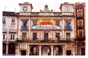 carnaval2004 310x206 - Carnaval. Fachada Ayuntamiento de Burgos