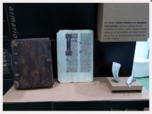 libroantiguo3 215x161 - Exposiciones