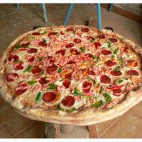 pizza 208x208 - Ficticios publicitarios: Objetos y alimentos. Naturales y gigantes