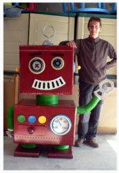 robotmefaltauntornillo 173x251 - Figuras