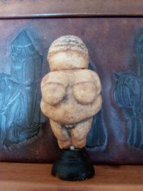 IMG 20181012 103517 206x275 - Venus de Willendorf USB