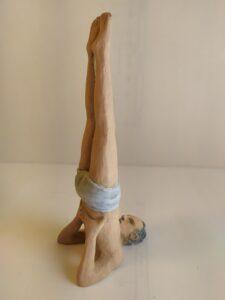 IMG 20200524 112940 e1590419330655 225x300 - Figuras de Yoga. Sirsásana, Alásana, Virásana y Sarvangásana. Resina de Poliuretano 18cm